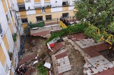 El Ayuntamiento inicia los estudios geotécnicos para reconstruir la plazoleta dañada por las lluvias