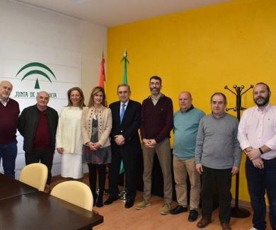 Salud y Familia entrega material informativo a cuatro entidades sociales de la provincia
