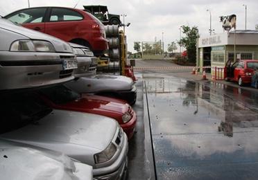 Admisión y descontaminación de vehículos fuera de uso