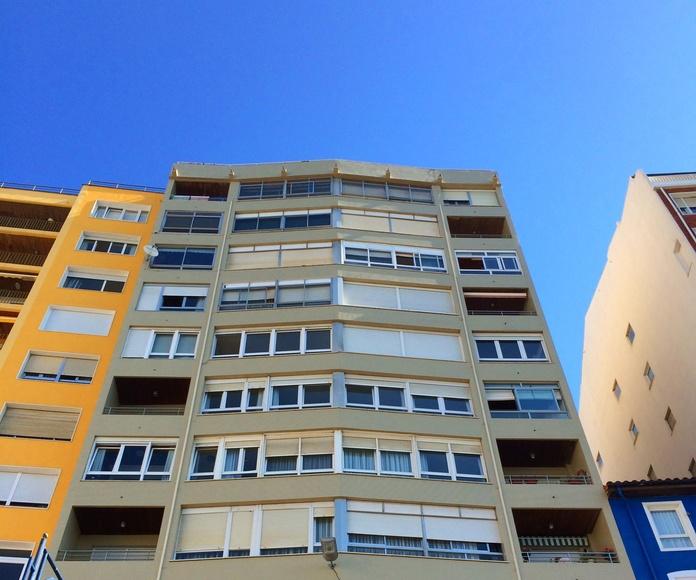 Rehabilitación de fachada de gresite en Santander