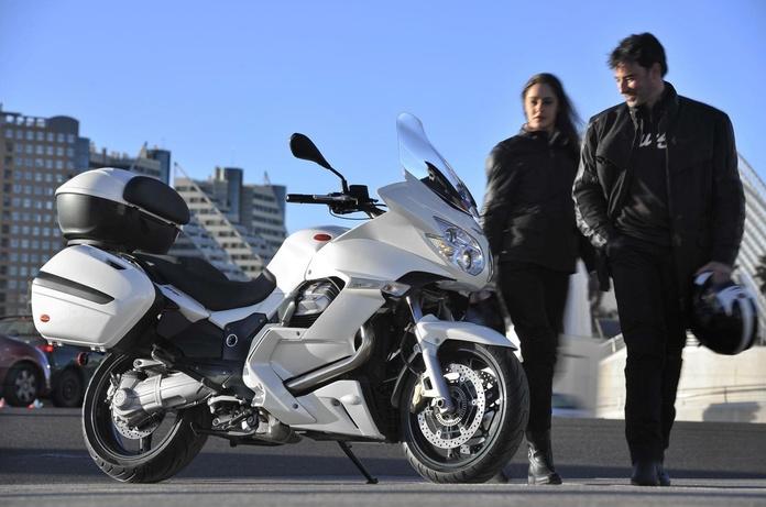 Seguro moto Axa FlexiVip: Servicios de Pons & Gómez Corredoria d'Assegurances