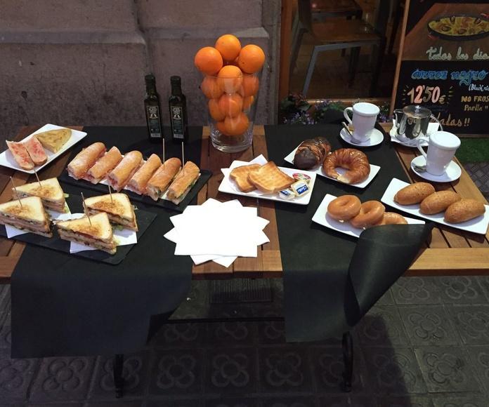 Desayunos: Especialidades y platos  de Restaurante Charrito
