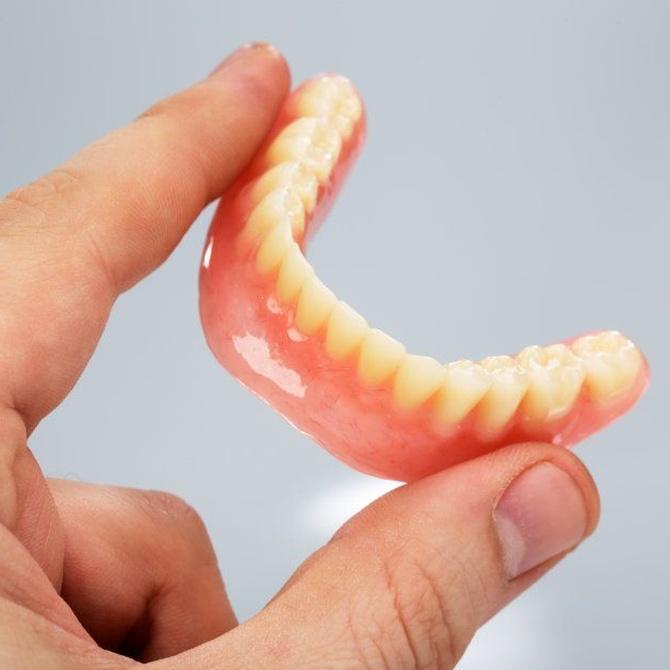Las prótesis dentales removibles
