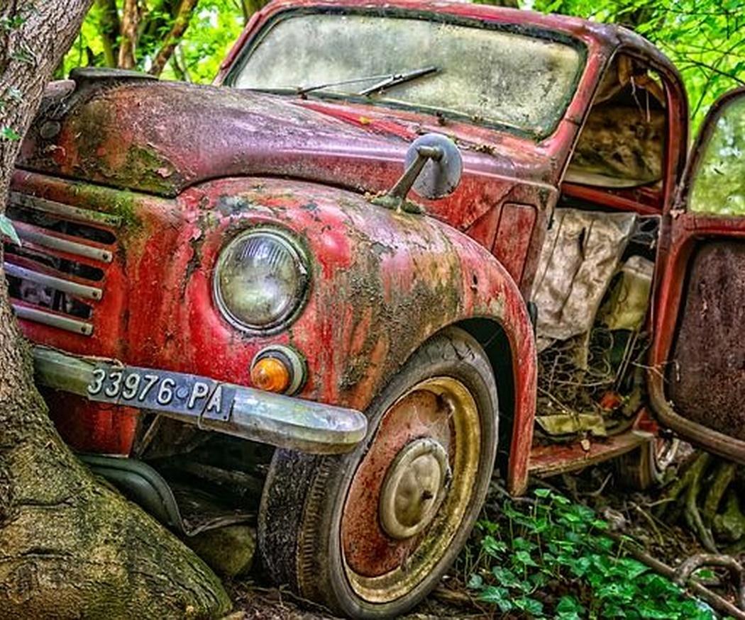 ¿Qué daños debes reparar a tiempo en la chapa y pintura de tu coche?
