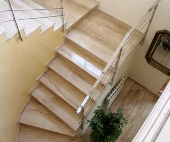 Escaleras: Servicios de Promociones y Construcciones JR Roca Ballester y Hnos.