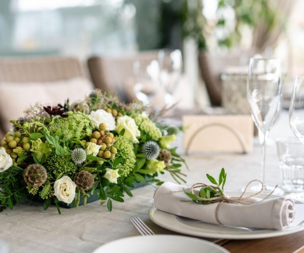 Cómo deben ser los adornos florales de un banquete de boda