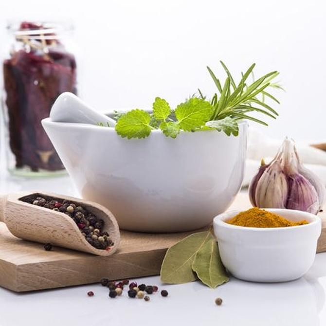 Beneficios de cocinar con especias y hiervas aromáticas