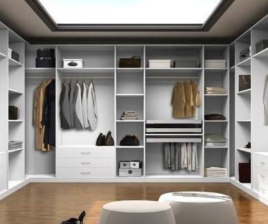 Amueblar en color blanco esta de moda, te contamos sus ventajas.