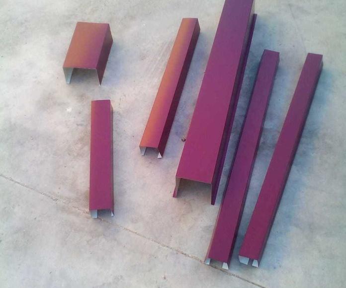 Trabajos para instalar canalones en fachada