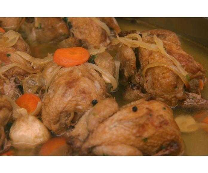Aves: Especialidades de PASTELERIA LORENA:    Confiteria, Bomboneria, Pasteleria, Cafeteria, Comida para llevar, Regalos,