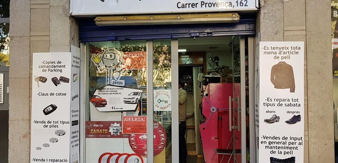Copia de llaves de coche en Les Corts, Barcelona