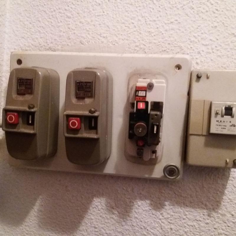 Sustitución de cuadro eléctrico antiguo en vivienda por uno nuevo en Murcia