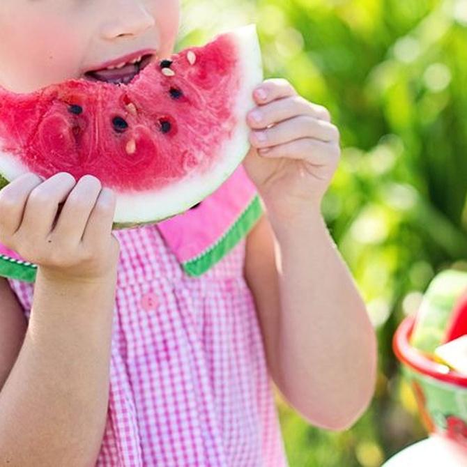 Trucos para que tus hijos coman fruta