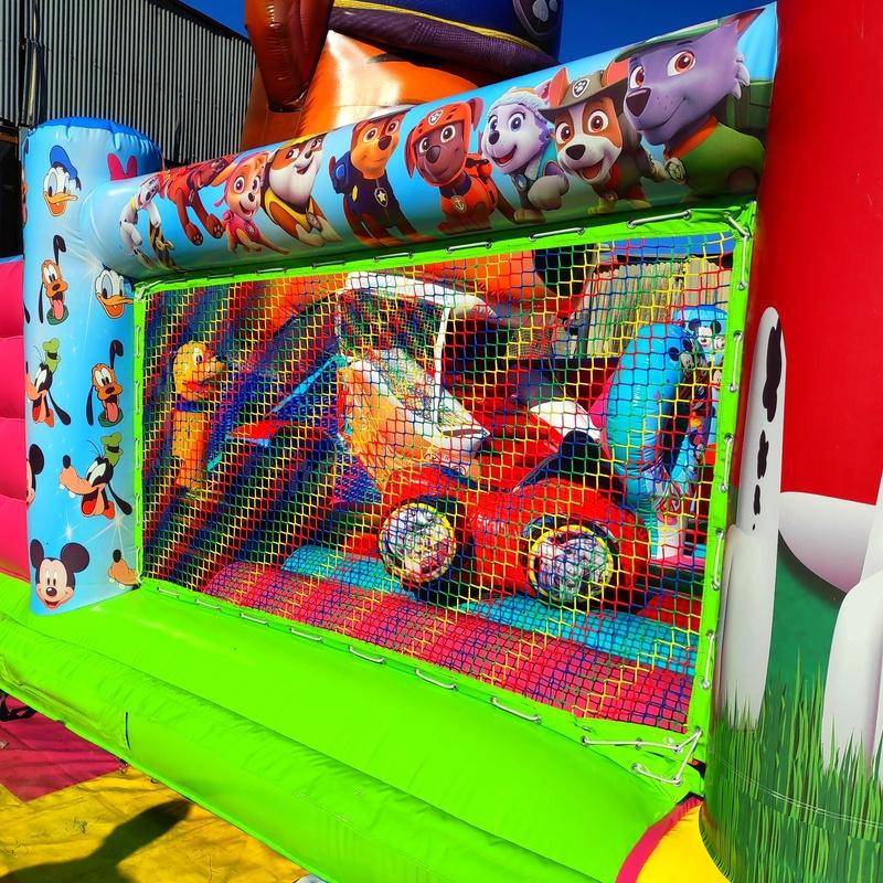 Castillo hinchable movimiento chase: Catálogo de Hinchables Happy Jump