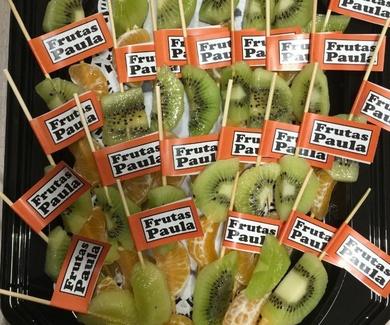 FRUTAS   PAULA en el mercado del val.
