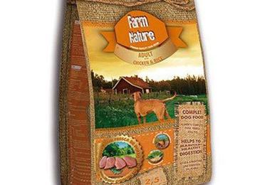 Farm nature pollo y arroz