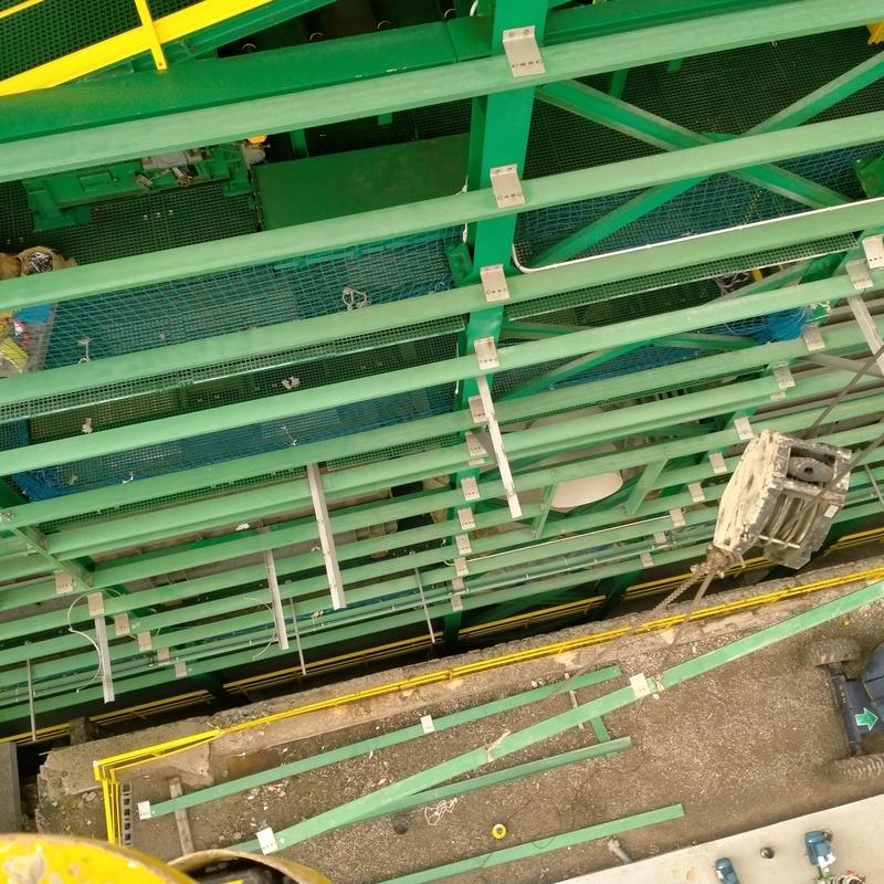 colocacion de correas en PRFV carga camiones edificio 23 x 16x 25m3