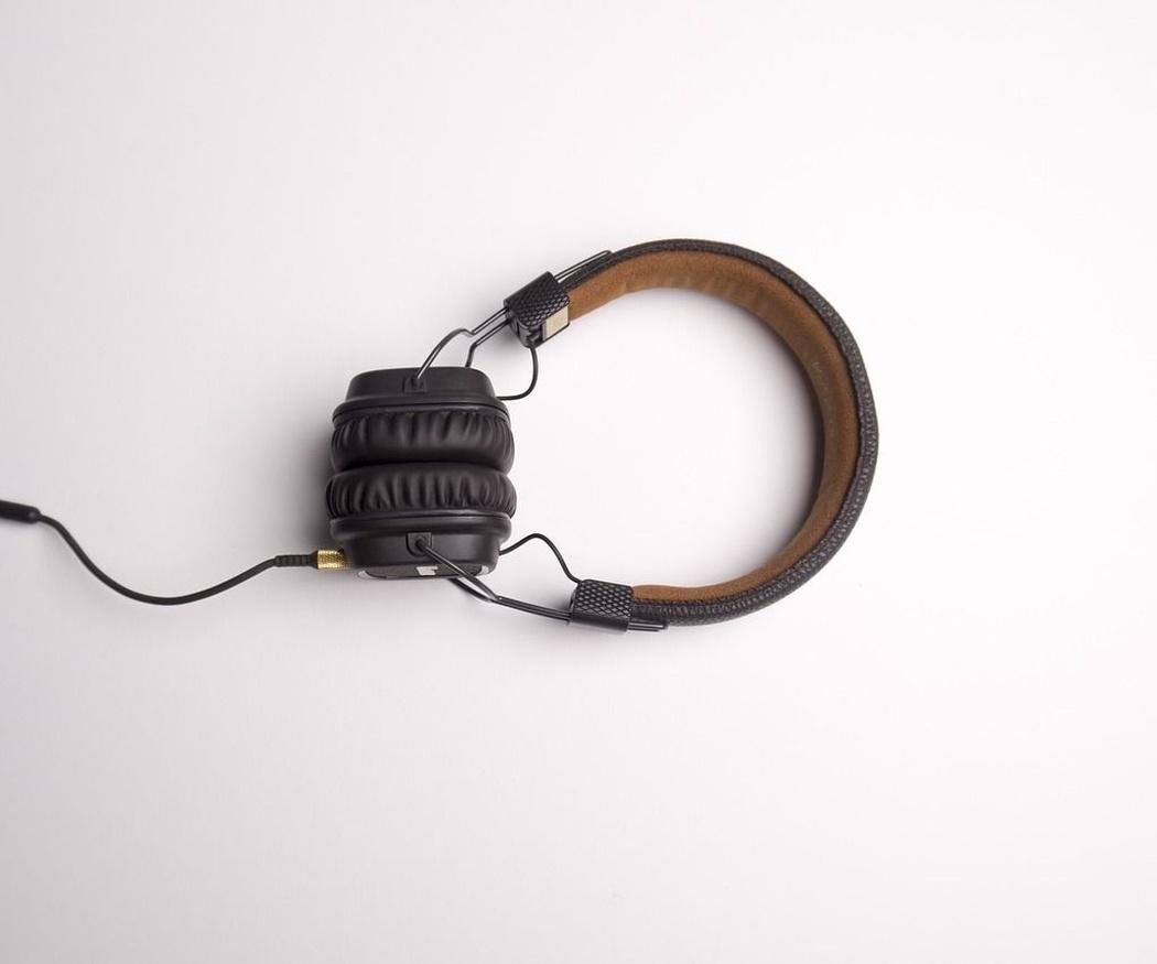 Cuidado de la voz en locutores de radio