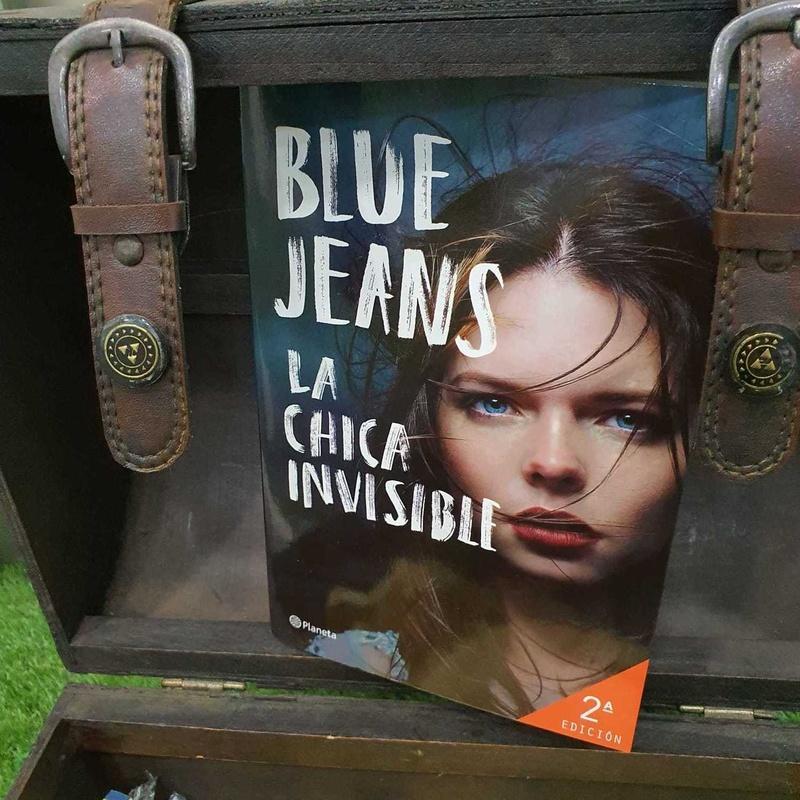 COLECCIÓN BLUE JEANS .....LA CHICA INVISIBLE: El Bosque de las Palabras de Librería Infantil El Hada Lucía
