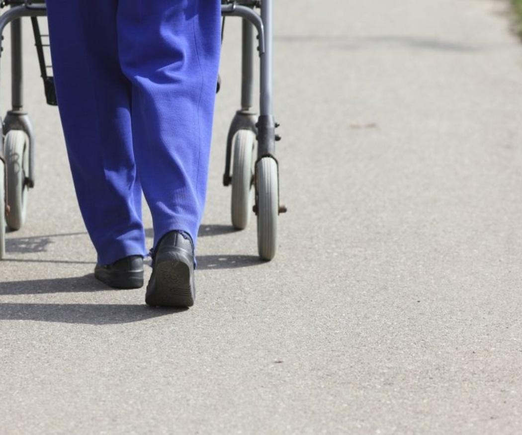 Los tipos de andadores ortopédicos para adultos