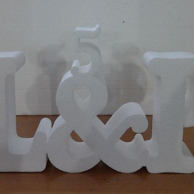Decora tu boda con letras de poliespan