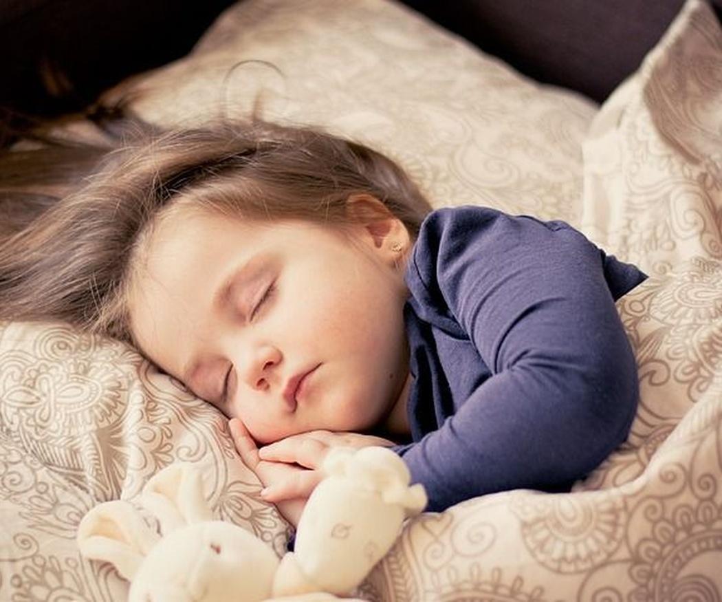 ¿Cuántas horas necesitas dormir al día según tu edad?