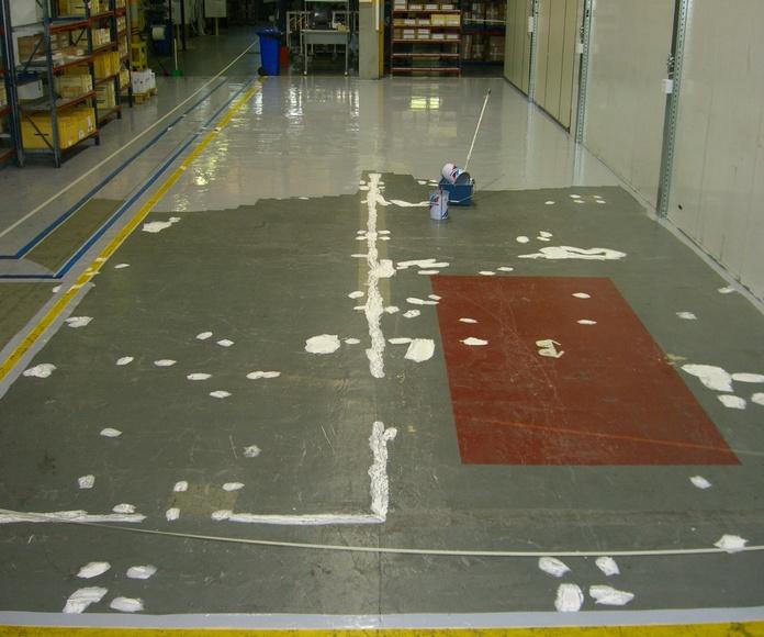 Trabajos de pintura industrial en pavimentación finalizados (durante)