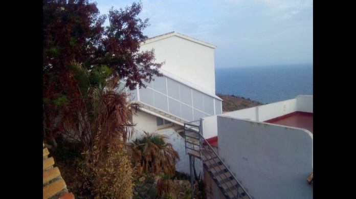 Cerramiento para escaleras exteriores : PRODUCTOS  de Mk Toldos
