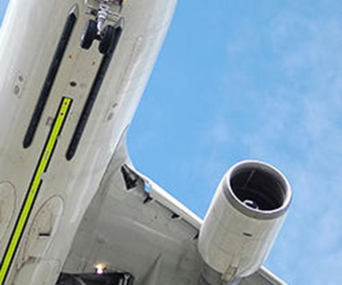Transporte aéreo: Servicios de Medatlantic Management, S.L.