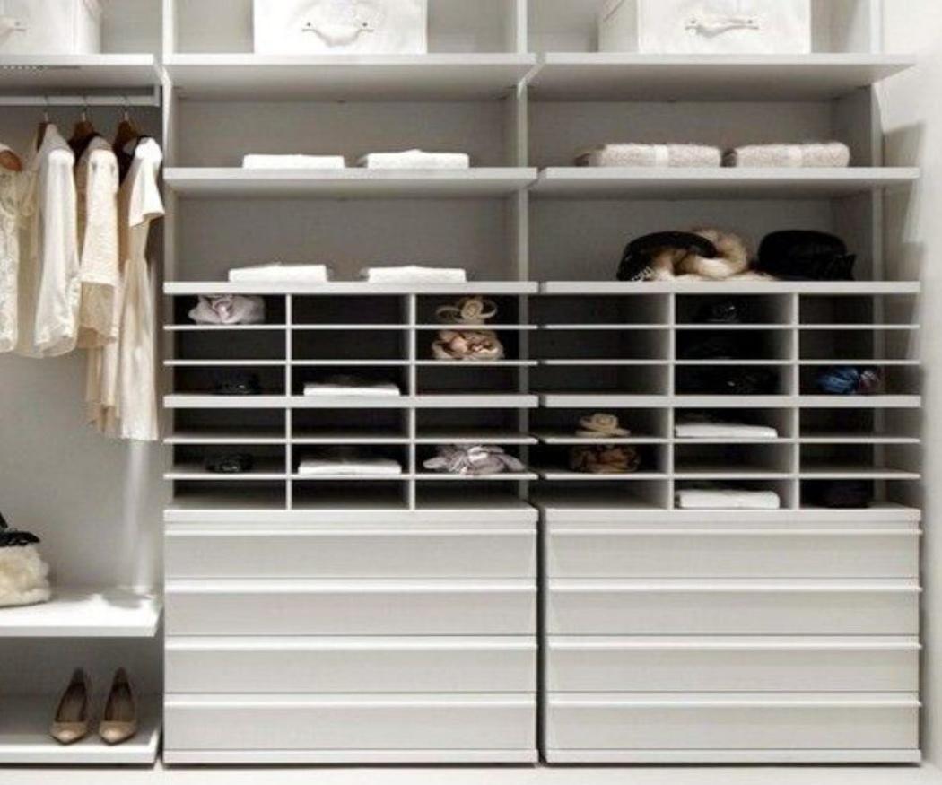 Colocar un vestidor en una habitación pequeña