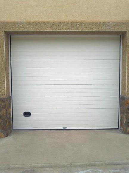 Instalación puertas seccionales en Toledo