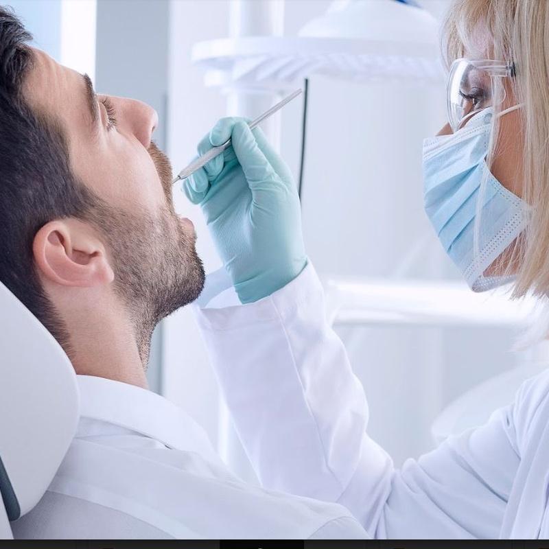 Periodoncia: Servicios de CEO Clínica Dental