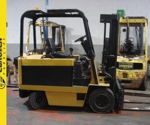 Carretilla diesel CATERPILLAR Nº 2671