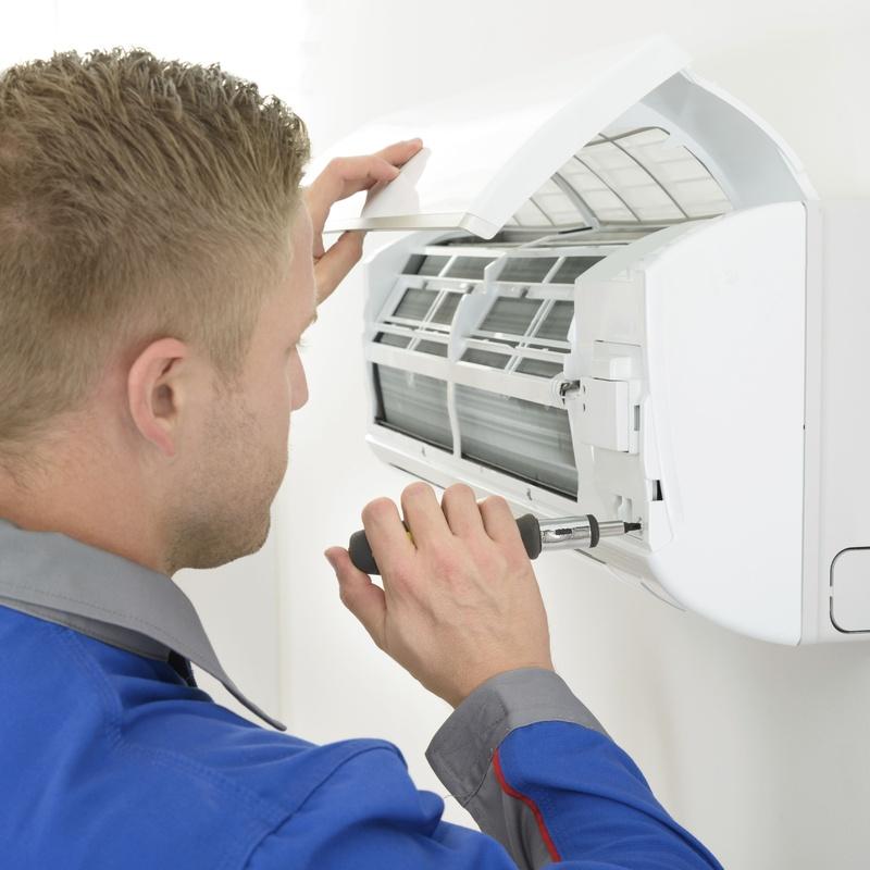 Instalación aire acondicionado: Servicios de Instalaciones Eléctricas Sergio Lara Narvión