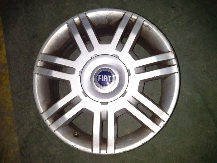 Llantas de aluminio de Fiat en R-16 de 4 tornillos en Desguaces Clemente de Albacete