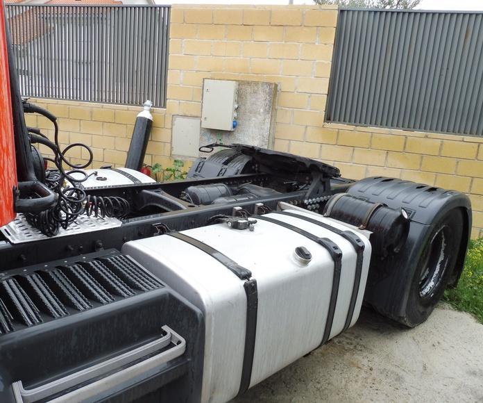SCANIA P420 4X2 -- VENDIDO: Vehículos industriales de Emirtrucks Trading