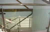 Barandilla de acero inox y cristal