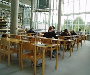 Preparación a Cambridge - Escuela Oficial de Idiomas
