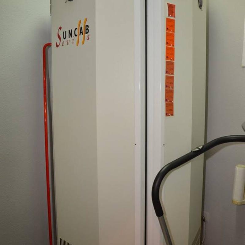 Rayos UVA: Tratamientos y servicios de Chaes Peluquería Unisex