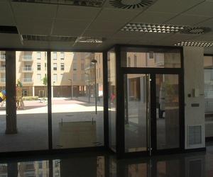 Puerta y escaparate de aluminio Zaragoza
