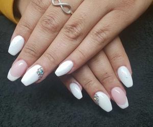 Últimas tendencias en decoración de uñas para esta primavera