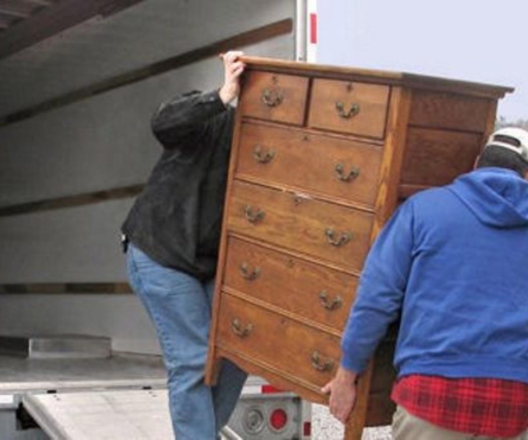 ¿Cómo protejo mis muebles durante una mudanza?