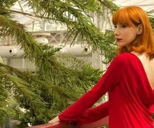 Vestido rojo con espalda descubierta