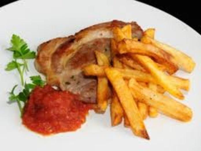 Chuleta de cerdo, papas fritas y ensalada: Nuestra Carta de Happy Burger