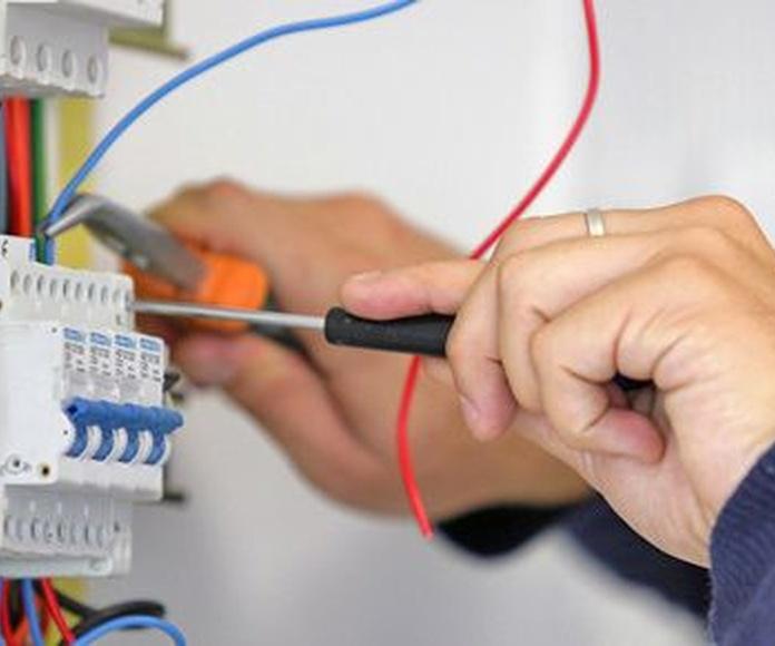 Luz: Servicios de GyG Instalaciones