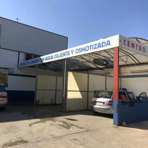 Servicio de lavado y engrase de vehículos