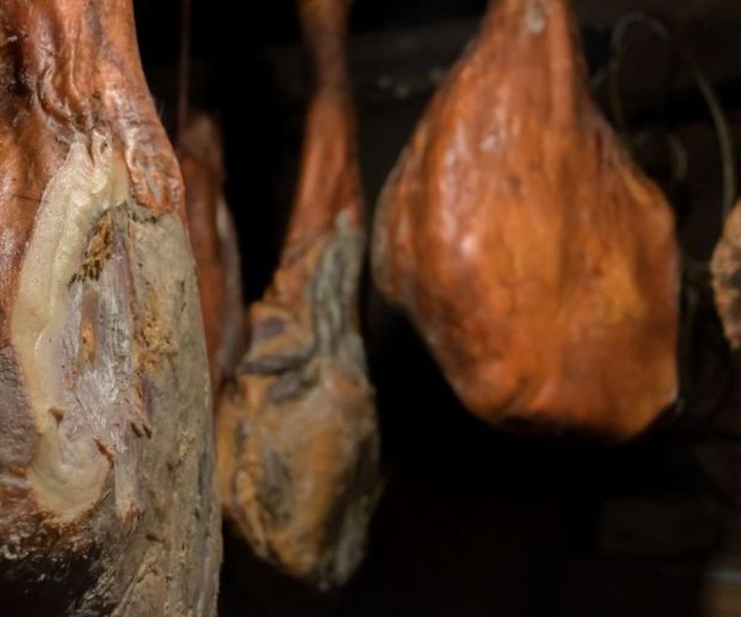 El curado del jamón en cámaras frigoríficas