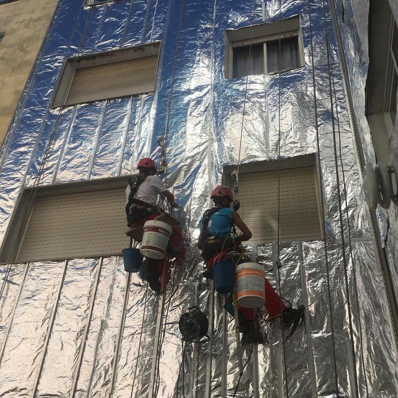 Revestimiento de patio de luces con vinilo: Nuestros Servicios de Sergama Reparaciones de Altura