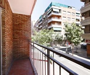 Piso en venta 5 dormitorios, 2 baños, cerca Camino de Ronda
