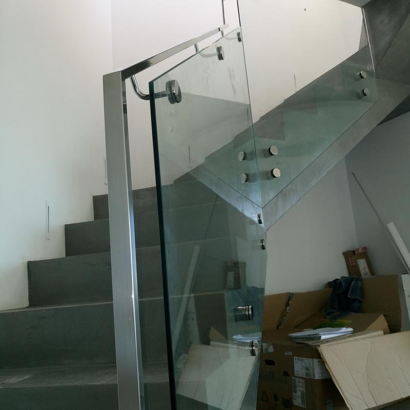 Barandillas de acero y vidrio:  de Icminox